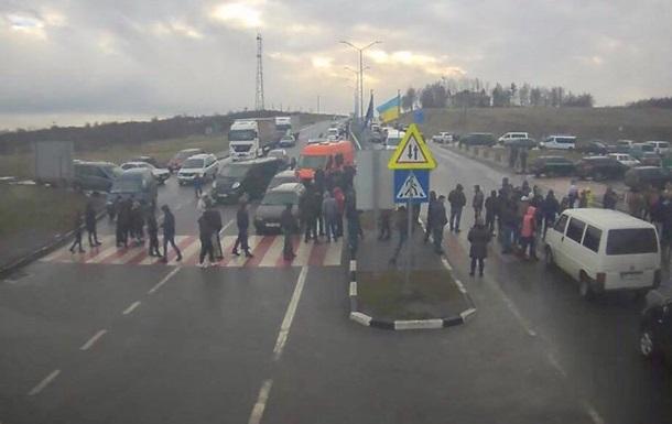 Челноки  предупредили о блокировании границы с Польшей
