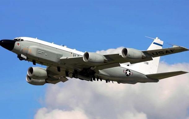Самолеты США провели разведку у границ России