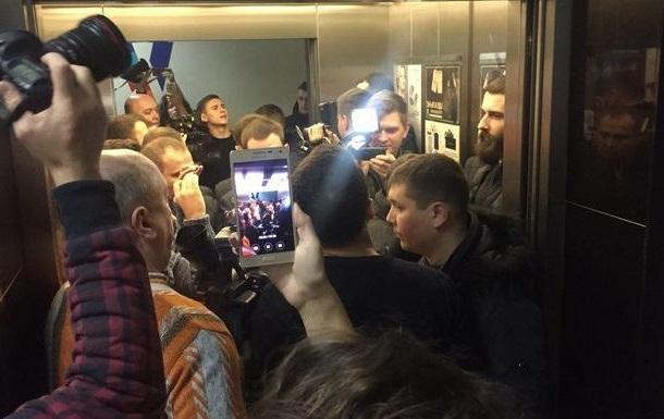 У виданні Вісті заявили, що силовики намагалися проникнути в їх офіс