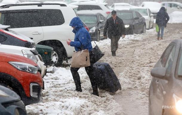 На Москву обрушился мощный снегопад, есть жертвы