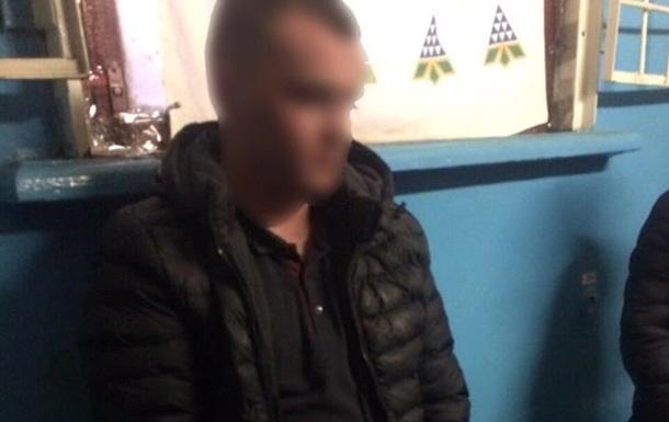 У Києві двоє п яних побили поліцейського
