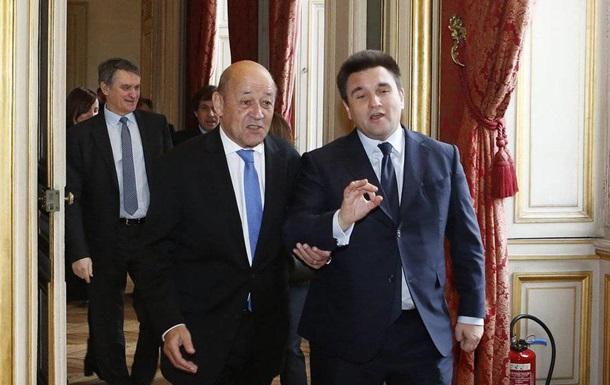 Париж нагадав Києву про антикорупційний суд