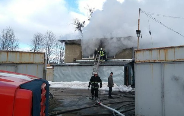 В Харькове горел цех по производству пластмассовых изделий