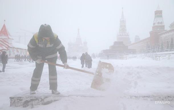 В России спрос на лопаты вырос в 11 раз из-за снегопадов