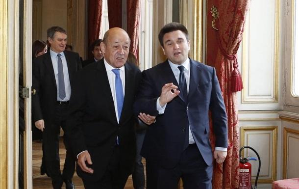 Франція підтримує розміщення миротворців на Донбасі