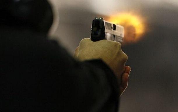В Марселе мужчина открыл стрельбу на улице