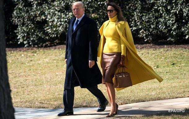 Меланія Трамп вразила яскравим вбранням