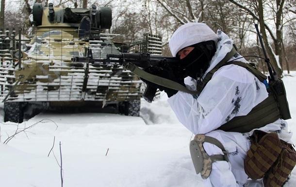 Появились фото учений десантников на Донбассе
