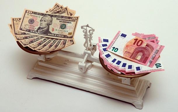 Українці активно продають валюту