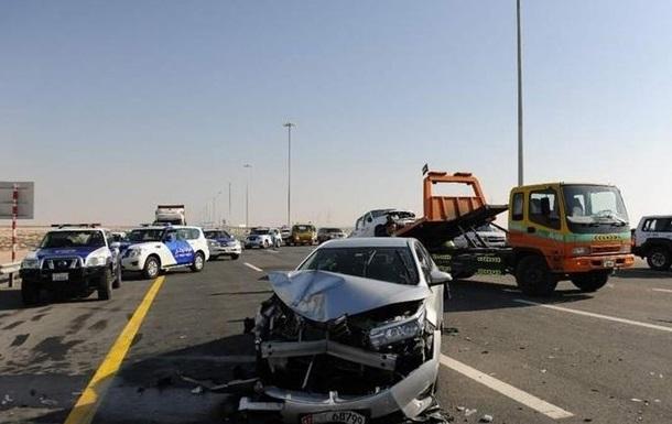 В Абу-Даби разбились 44 автомобиля