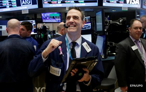 Фондовий ринок США почав рости після падіння