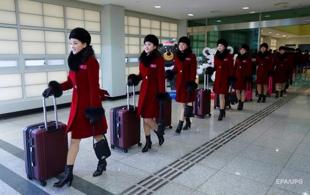 Все равны, как на подбор: болельщицы из КНДР в Пхенчхане