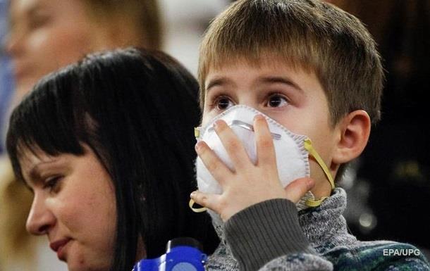 У Києві продовжують закриватися школи через епідемію грипу