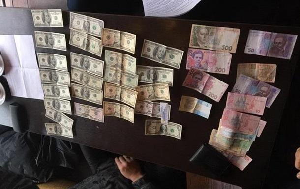 На хабарі затримали заступника начальника Київської митниці