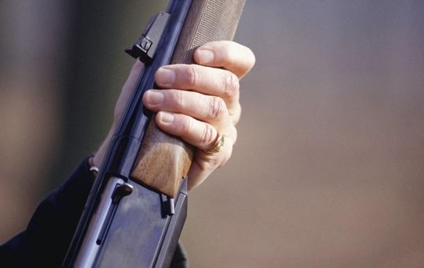 Штаб: Поліцейський застрелив людину