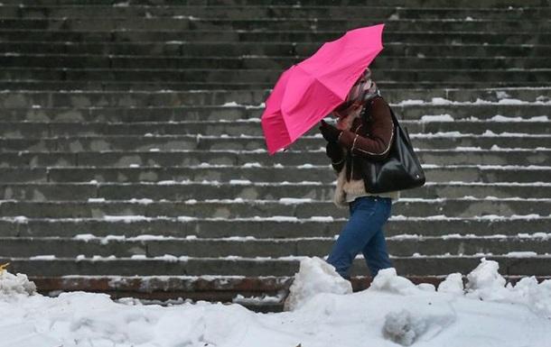 Погода в Украине: пасмурно и снег