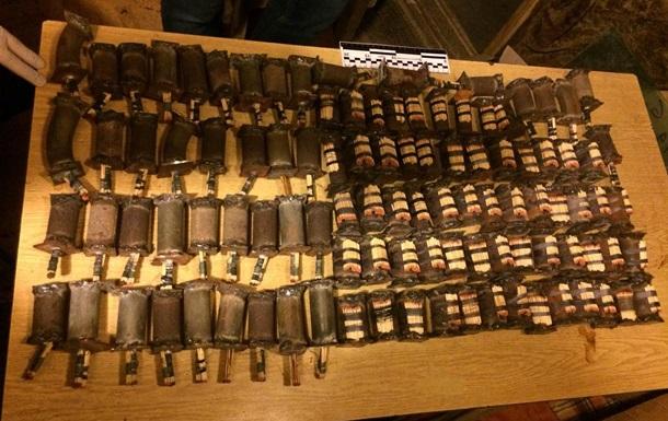 Житель Киевской области хранил арсенал самодельного оружия