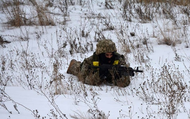 Доба в АТО: 11 обстрілів, один боєць загинув