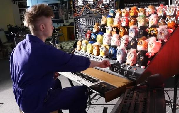 Блогер создал  орган  из говорящих игрушек Furby