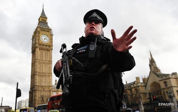В британский парламент доставили конверт с белым порошком