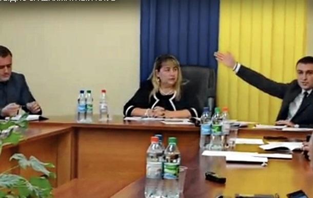 Шахматы – уничтожить: в Киеве, Николаеве и Херсоне продолжаются рейдерские атаки