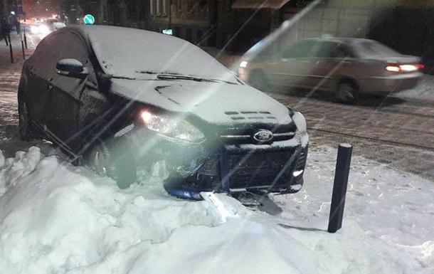 Во Львове пьяный водитель устроил четыре ДТП