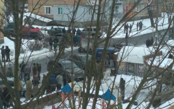 У Рівненській області між старателями і поліцією сталася бійка