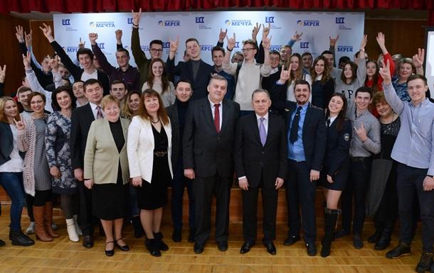 Борис Колесников дает шанс студентам выиграть поездку на престижную выставку в Германию