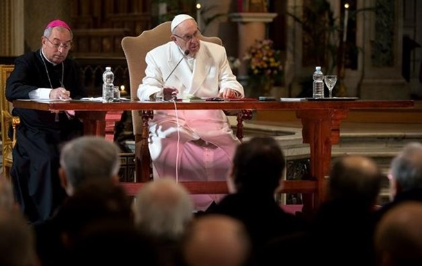 Папа Римський змінив процедуру зречення церковних посад
