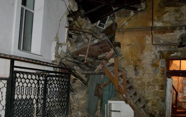 В Одесі завалилася частина стіни житлового будинку