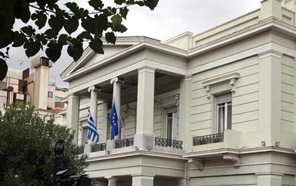 Сімнадцять турецьких чиновників втекли до Греції