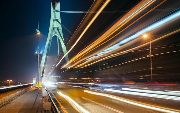 Київрада перейменувала Московський міст