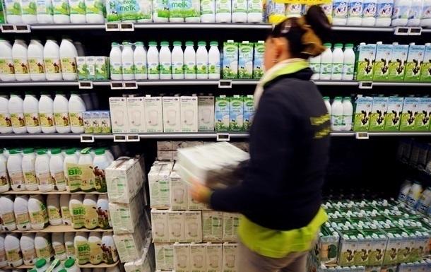 Росія заборонила ввезення молока з Білорусі
