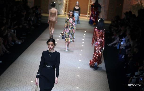 Показ Dolce & Gabbana: на подиум выпустили дронов
