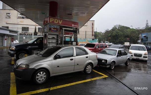 На АЗС дешевшає автогаз