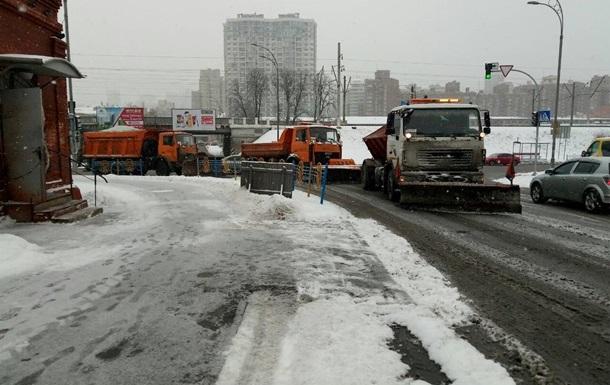 Киевских водителей просят не садиться за руль до весны