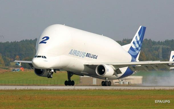 В небе над Германией загорелся крупнейший в мире грузовой самолет
