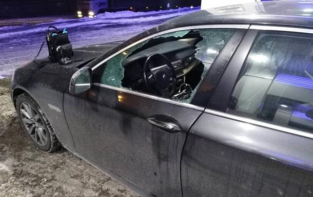 В Киеве на АЗС из автомобиля украли 4 млн гривен