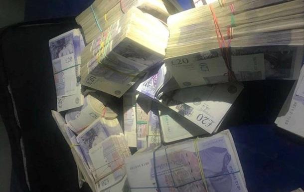 Львівські митники затримали рекордну кількість валюти