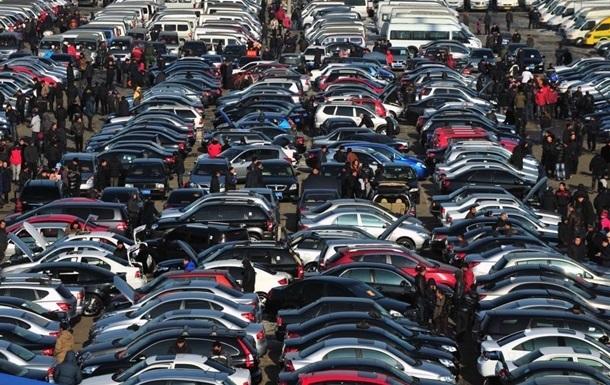 В Украине упростились правила ввоза импортных авто