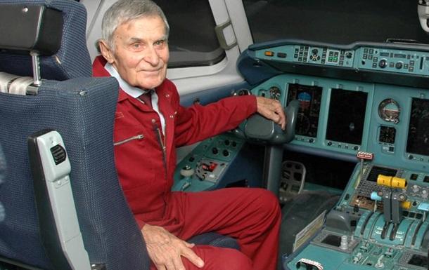 Помер відомий український льотчик Юрій Курлін