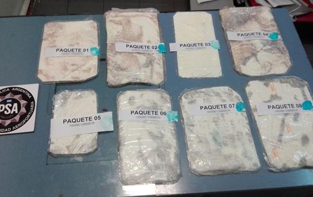 В Аргентине задержали россиянина с чемоданом кокаина