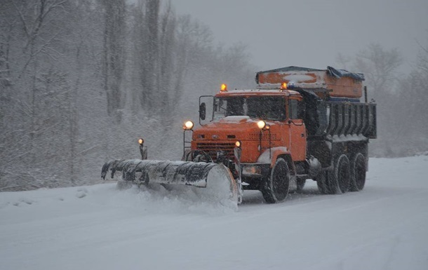 Київ зняв обмеження на в їзд вантажівок