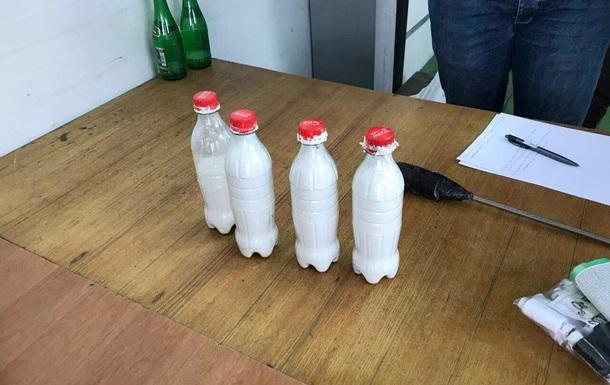 На кордоні з Білоруссю в баку авто знайшли кіло кокаїну