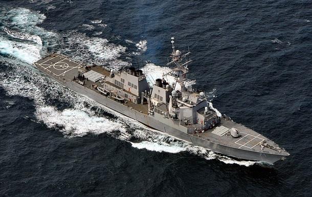 Ракетный эсминец США покинул Черное море