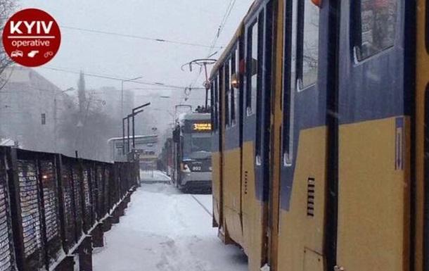 У Києві зупинилися швидкісні трамваї