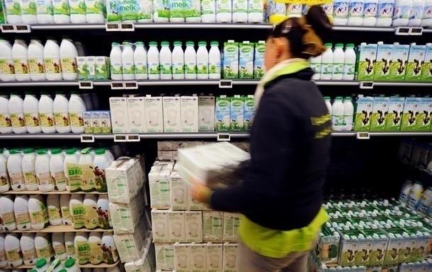 Росія відстрочила введення заборони на молоко з Білорусі