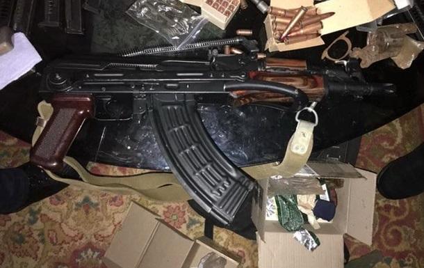 СБУ заявила про ліквідацію мережі збуту зброї із зони АТО
