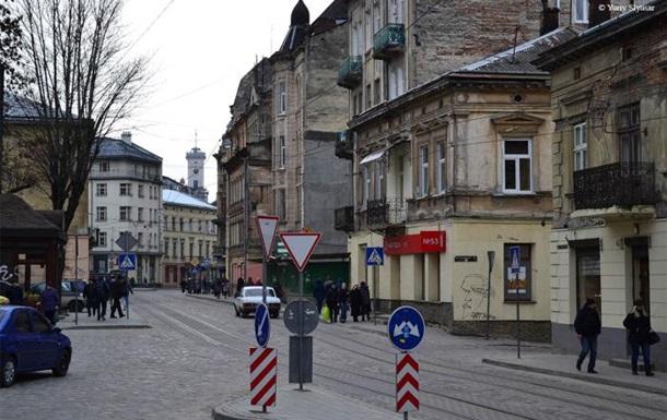 У Львові поліція перевіряє мінування трьох бізнес-центрів