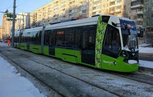 В России частный трамвай обстреляли в первый день работы